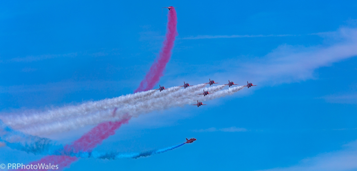 The Red Arrows performing a manouver called 'Tornado'